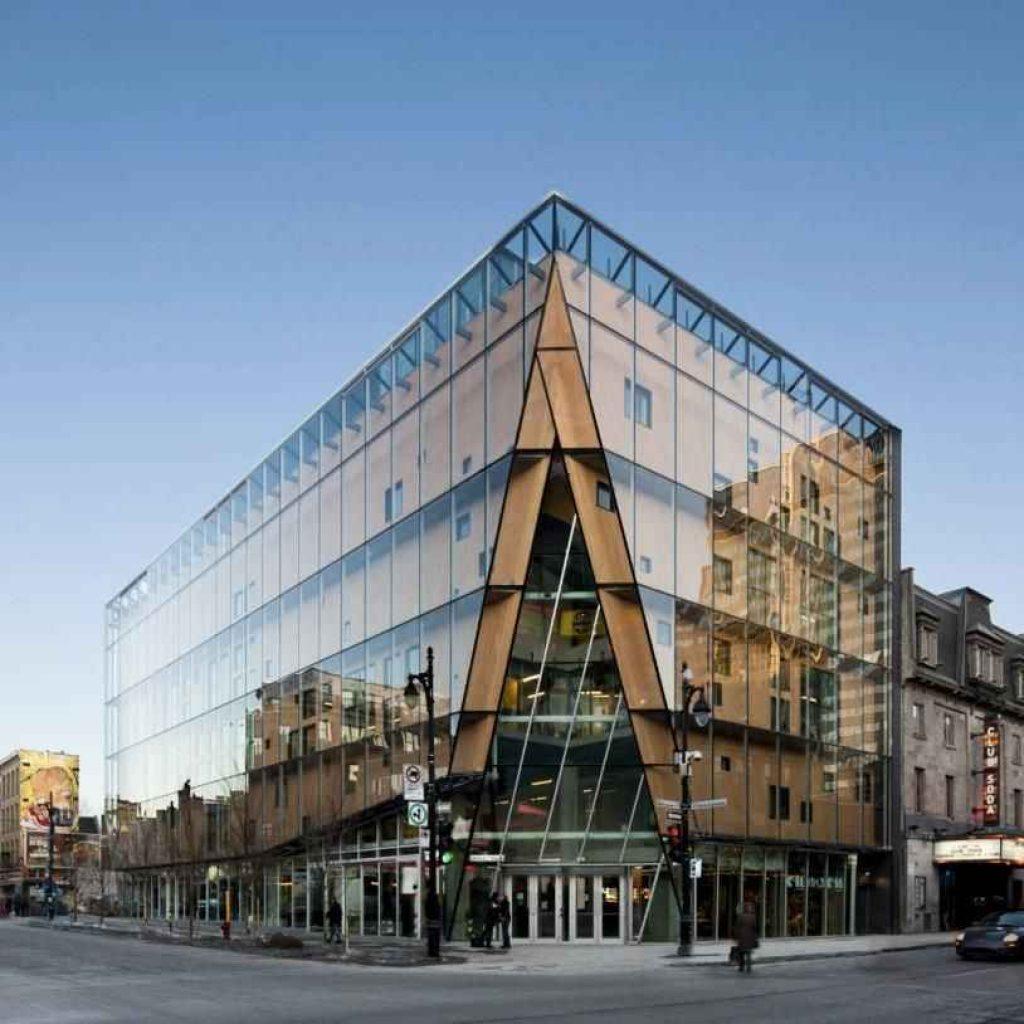 طراحی نمای شیشه ای بیرونی ساختمان
