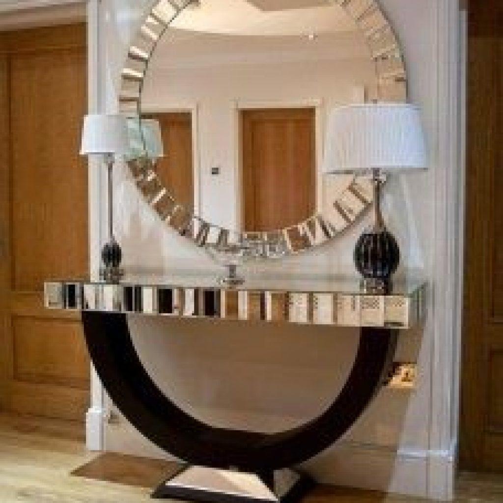 استفاده از آیینه به عنوان دیوار شاخص در دکوراسیون داخلی